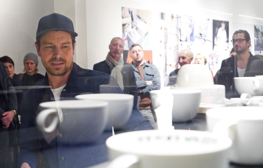 Stefan Diez zeigt das japanische Porzellan SD.